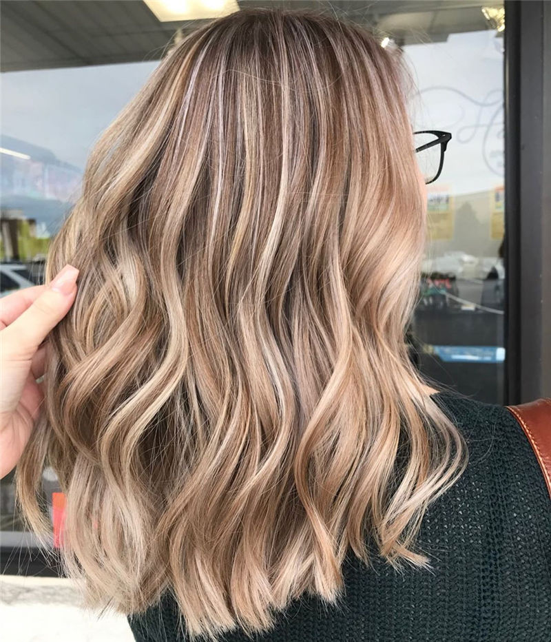 Stunning Medium Hairstyles to Try for This Year-08
