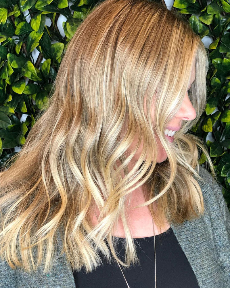 Stunning Medium Hairstyles to Try for This Year-29