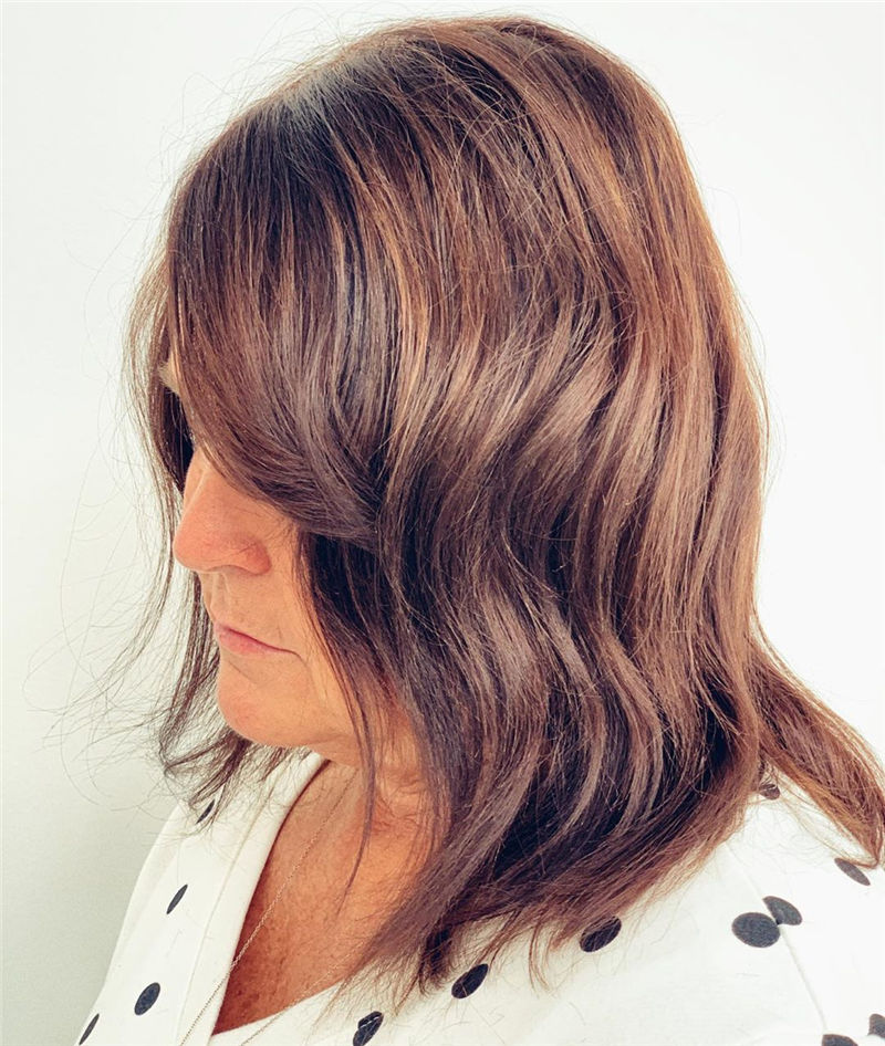 Stunning Medium Hairstyles to Try for This Year-36