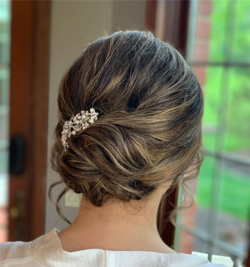 Stunning Updos To Wear To Your Next Party-34