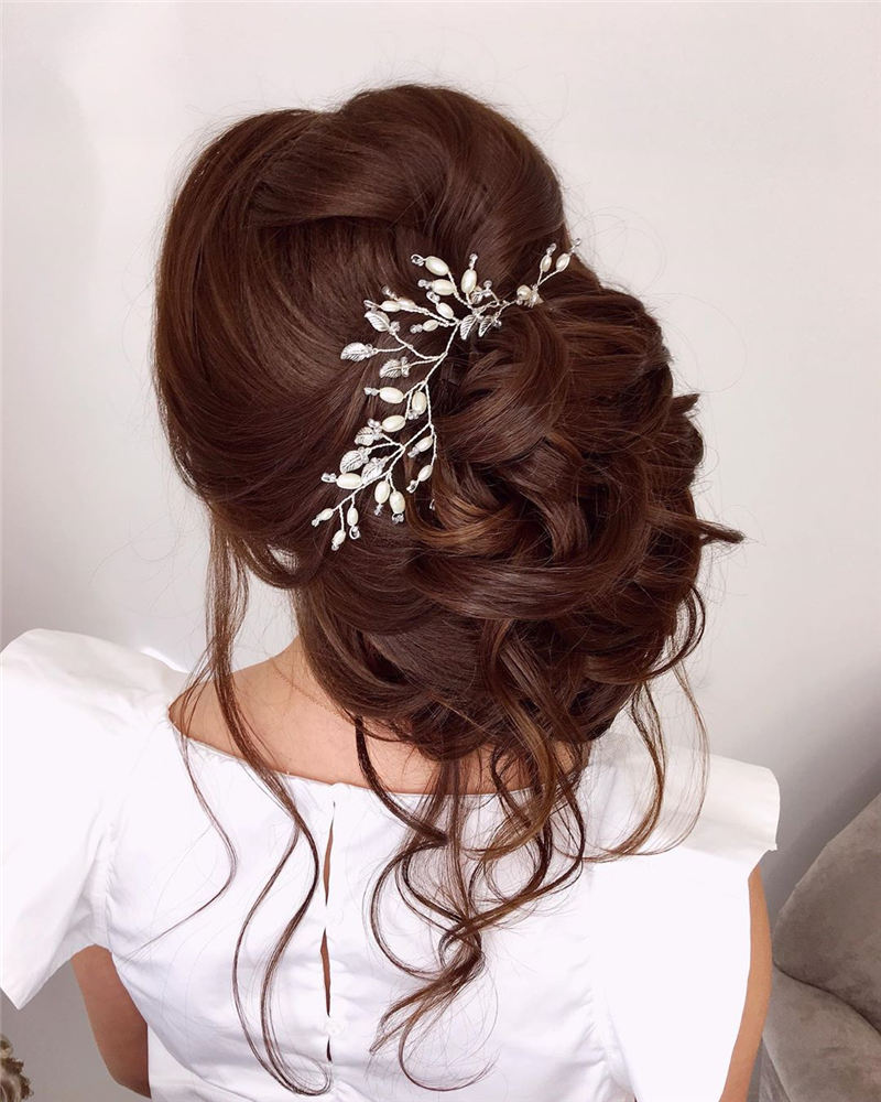 The Ultimate Wedding Hairstyles That Are Easy to Master-01