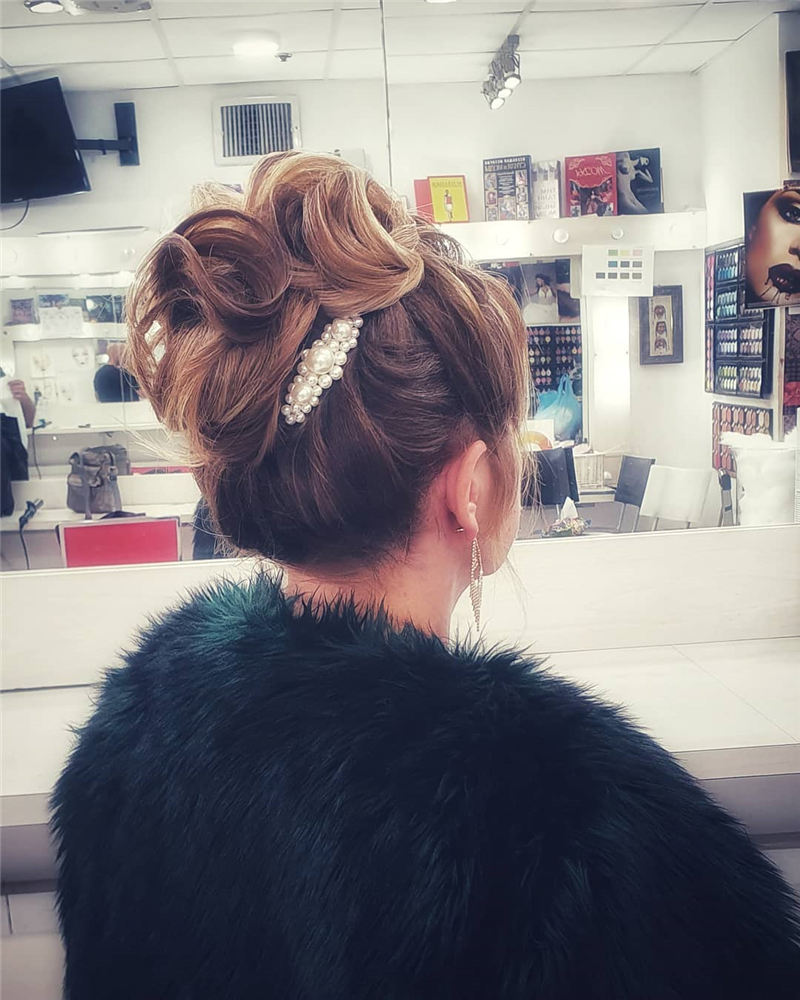 The Ultimate Wedding Hairstyles That Are Easy to Master-38