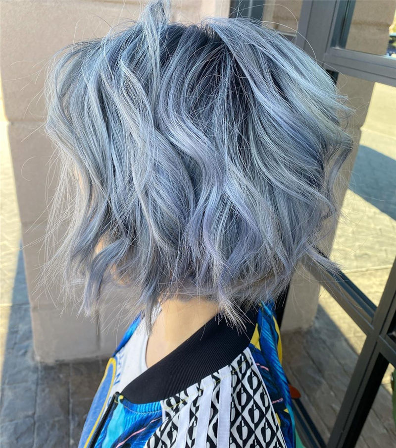 Trendy Short Hairstyles to Look Cool This Year-09