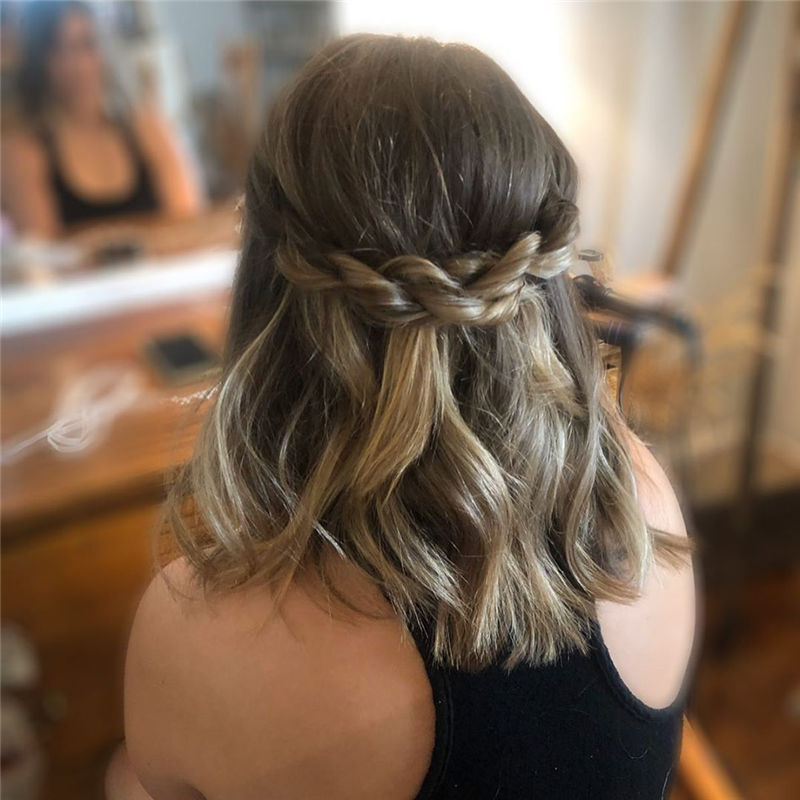Trendy Wedding Hairstyle Ideas for Your Big Day 01