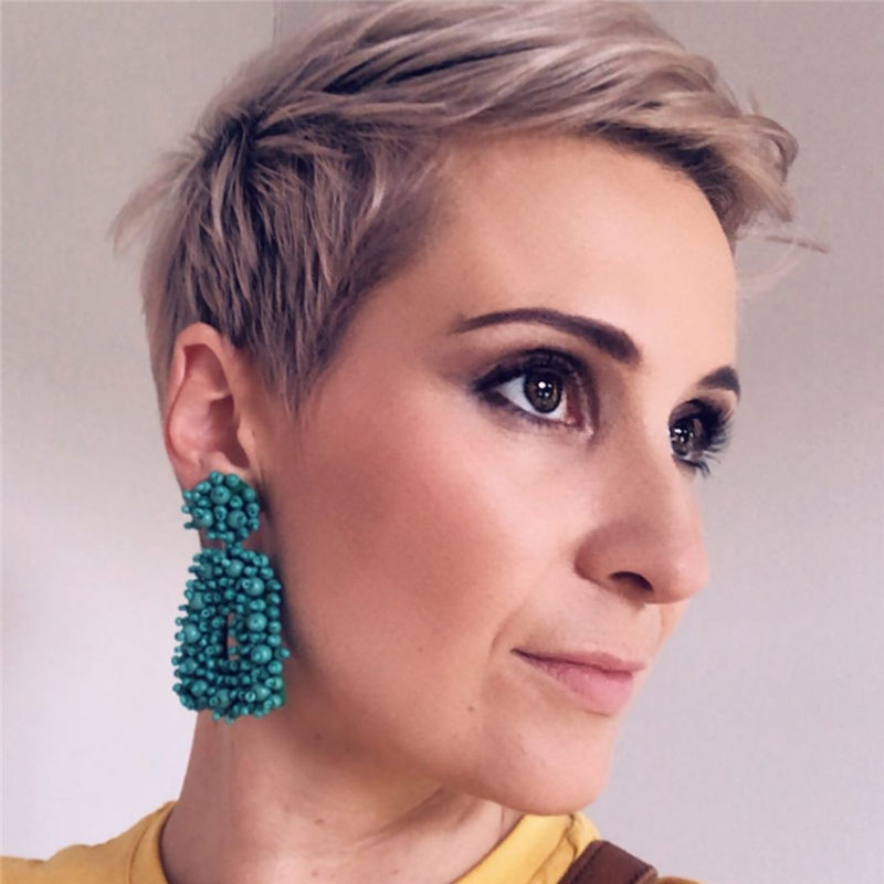 Amazing Short Pixie Cuts to Copy This Year 32