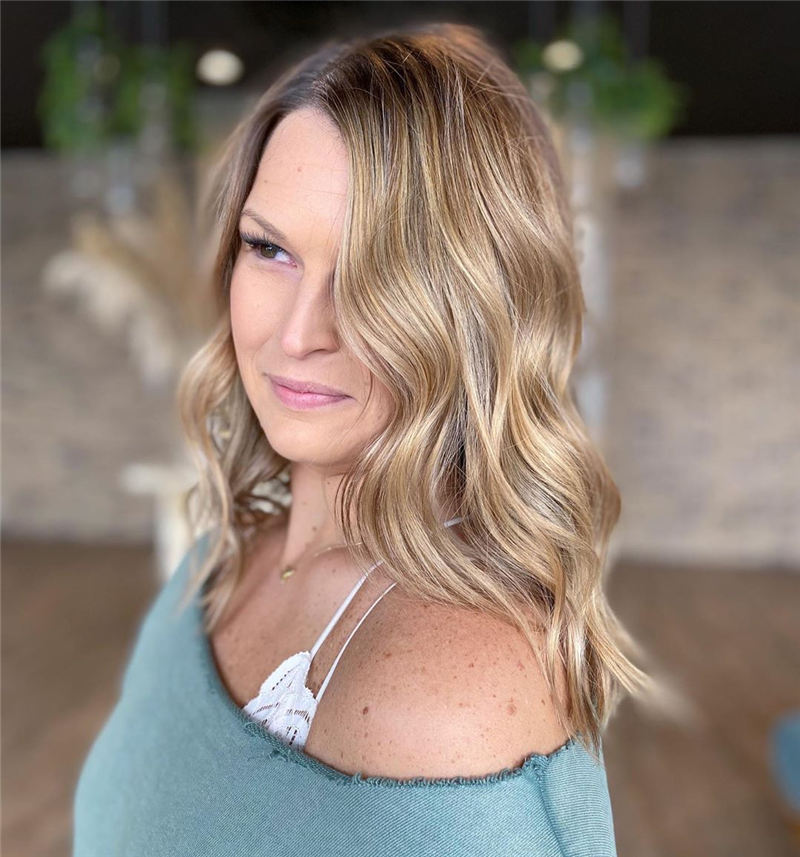 Chic and Sexy Medium Length Hair You Should Try 04