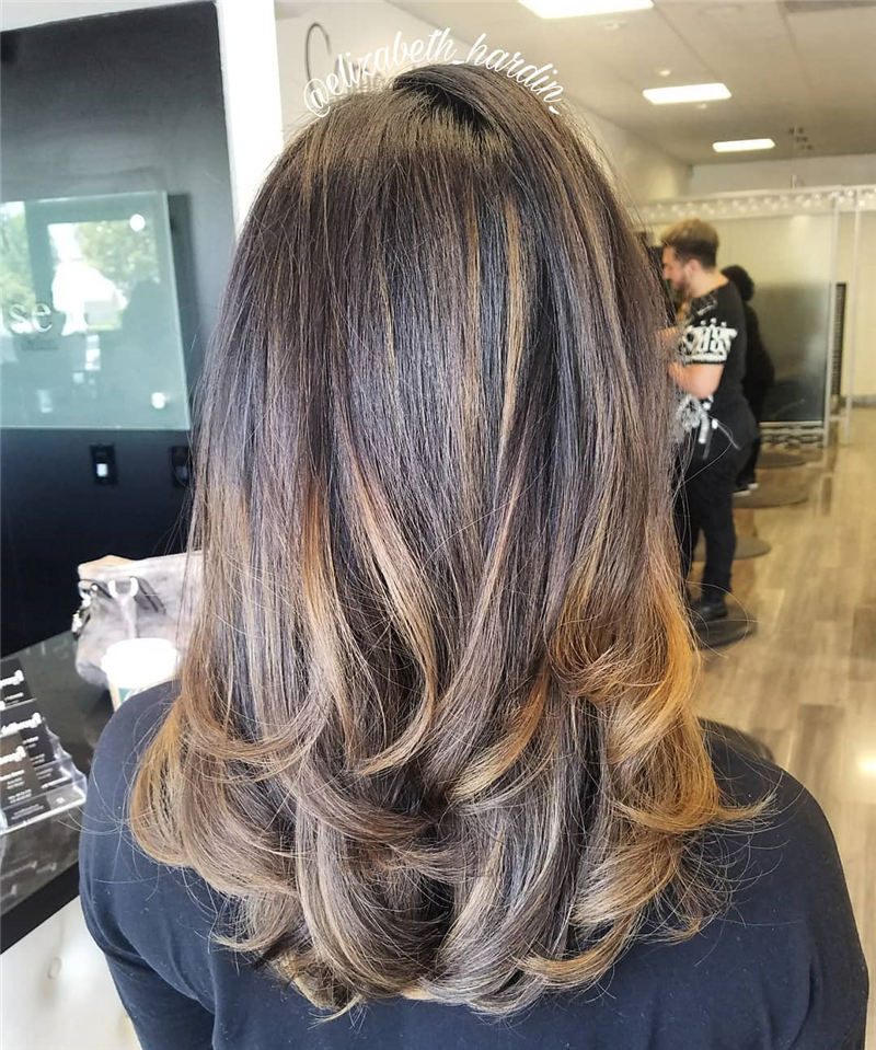 Chic and Sexy Medium Length Hair You Should Try 08