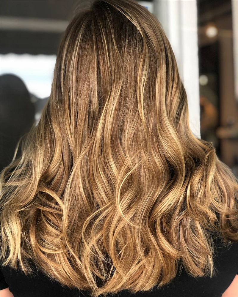 Chic and Sexy Medium Length Hair You Should Try 12