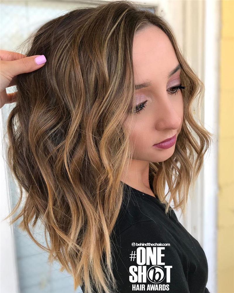 Chic and Sexy Medium Length Hair You Should Try 16