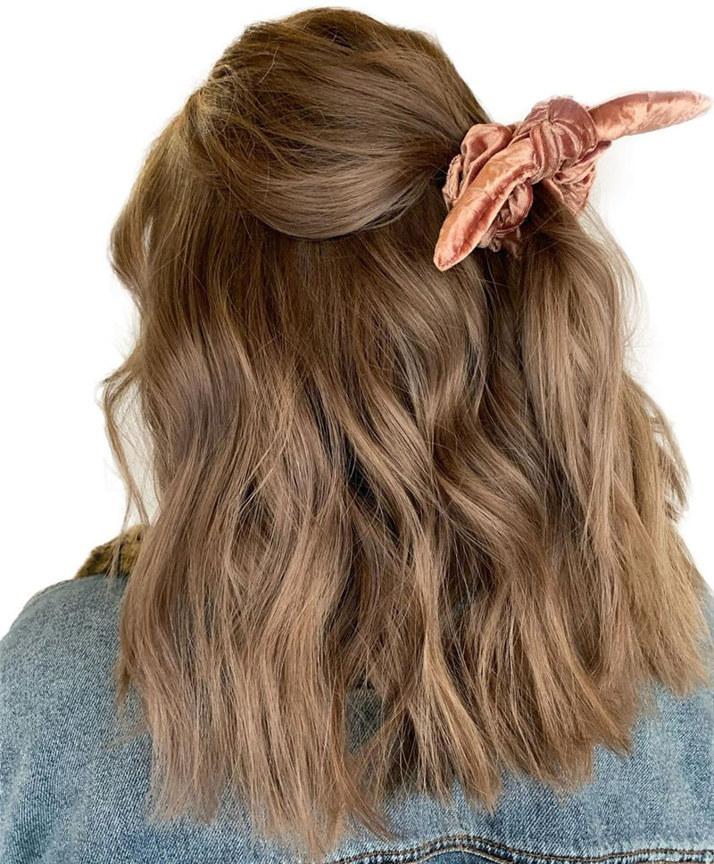 Chic and Sexy Medium Length Hair You Should Try 22