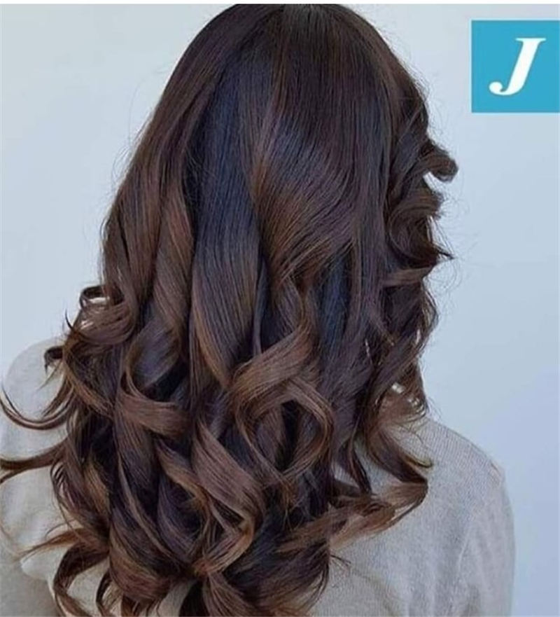 Chic and Sexy Medium Length Hair You Should Try 31