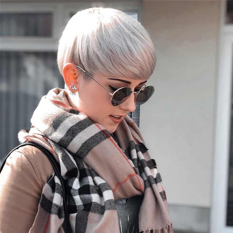 Chic and Sexy Pixie Haircuts That Youll Want To Get 02