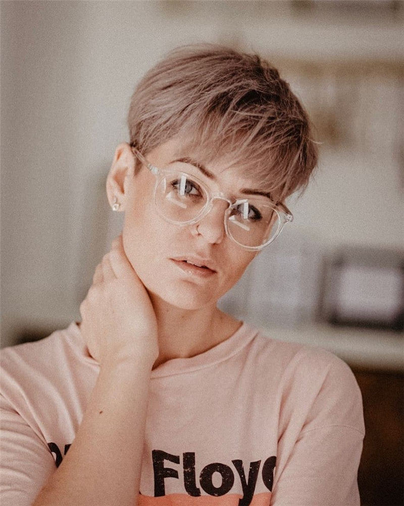 Chic and Sexy Pixie Haircuts That Youll Want To Get 10