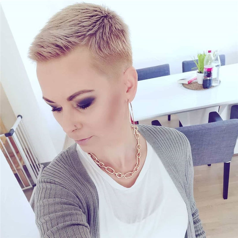 Chic and Sexy Pixie Haircuts That Youll Want To Get 30
