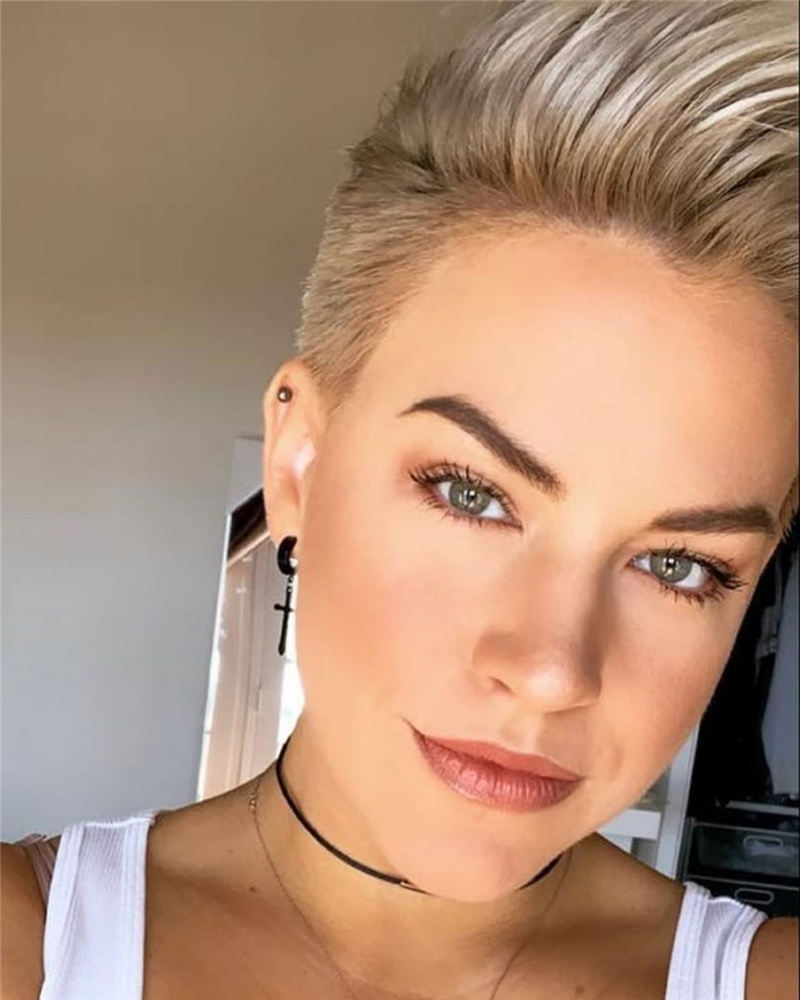 Chic and Sexy Pixie Haircuts That Youll Want To Get 43