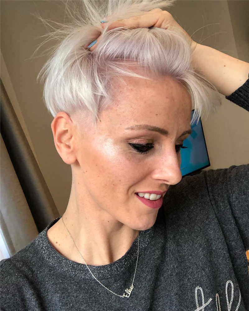 Cute Short Grey Haircuts for Fabulous Look 29