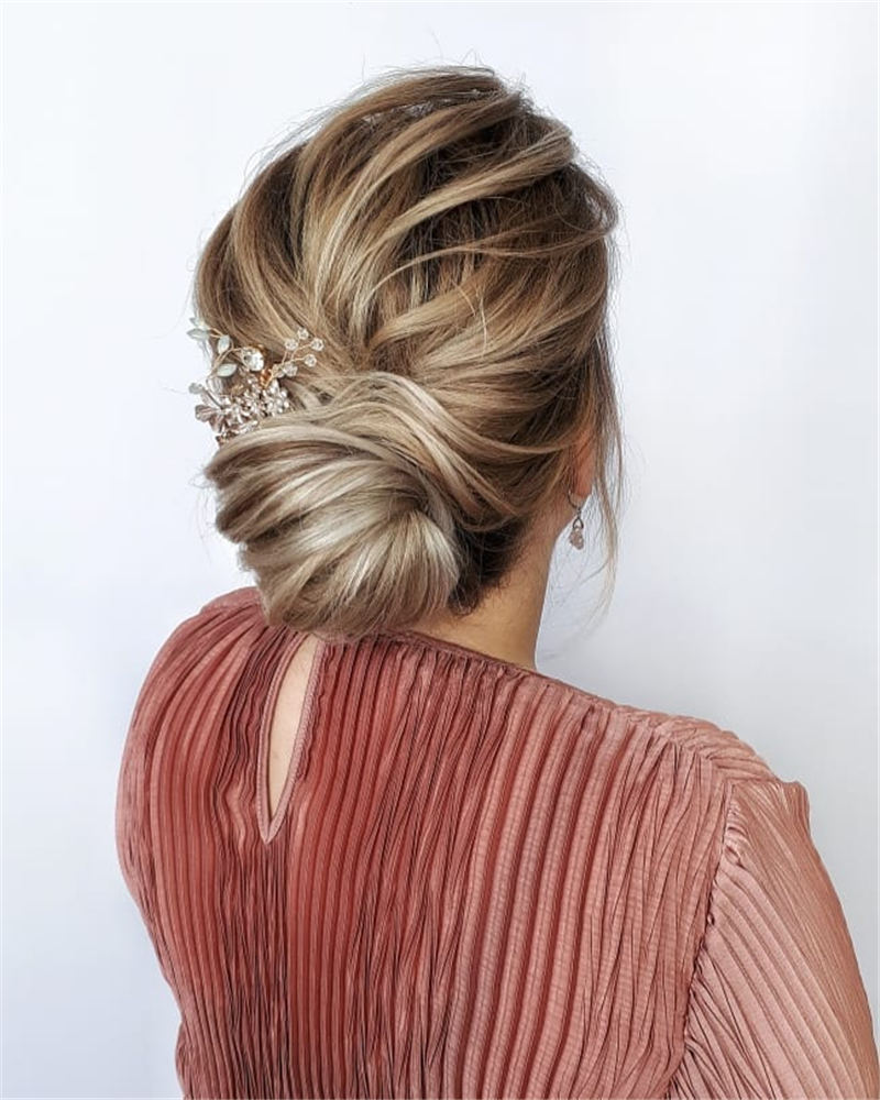 Gorgeous Textured Updo Hairstyles to Refresh Your Style 01