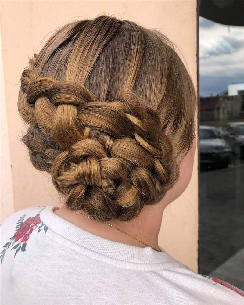 Perfect Updo Hairstyles You Will Love in 2020 46