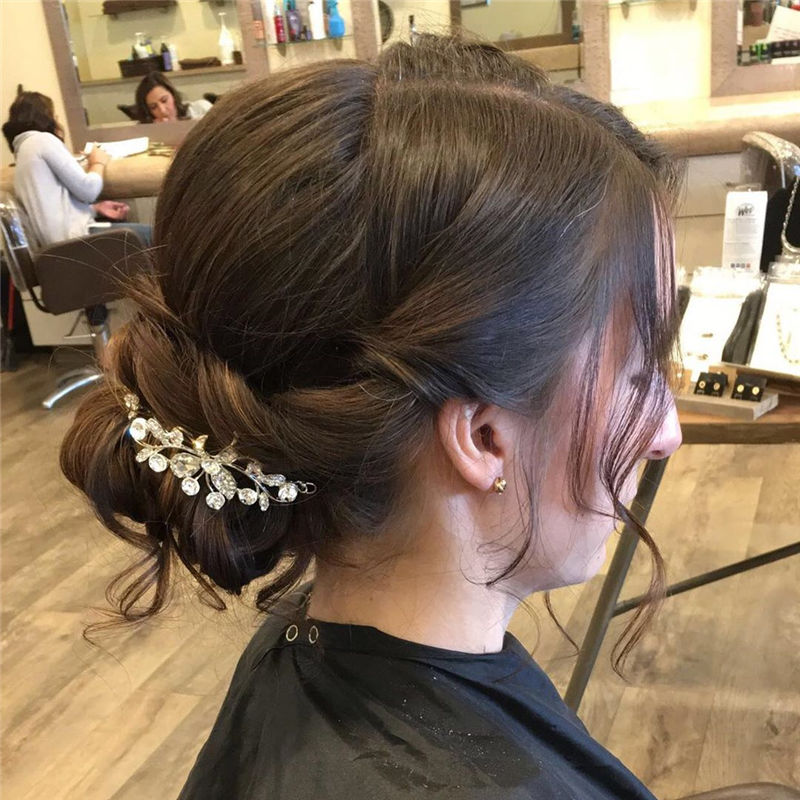 Romantic Wedding Hairstyles for This New Season 31