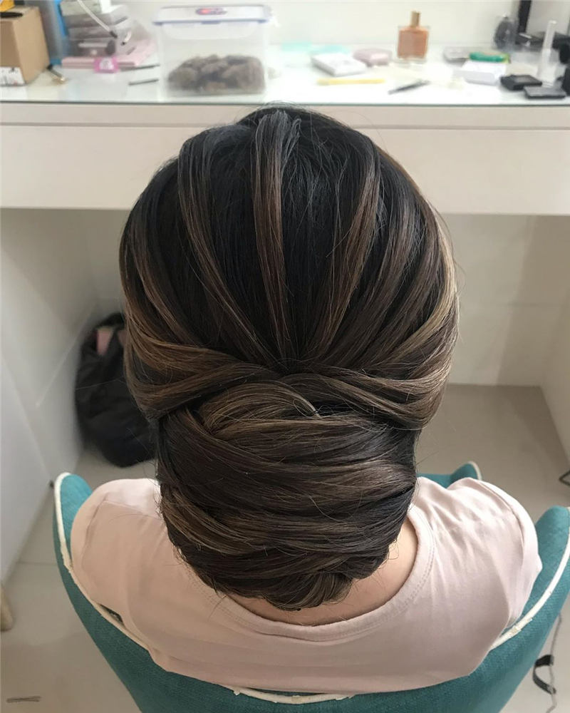 The Best Wedding Hairstyles to Try This Year 01