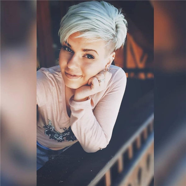 Most Eye Catching Short Pixie Haircuts to Upgrade Your Style 14