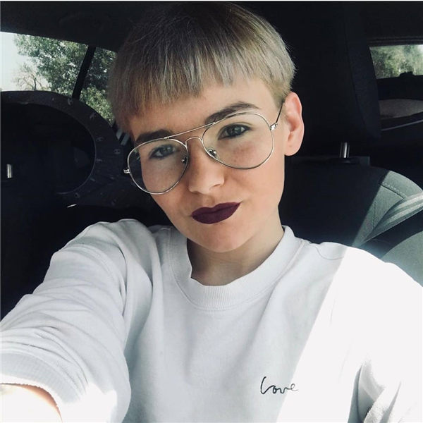 Most Eye Catching Short Pixie Haircuts to Upgrade Your Style 24