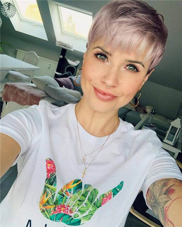 Most Eye Catching Short Pixie Haircuts to Upgrade Your Style 28