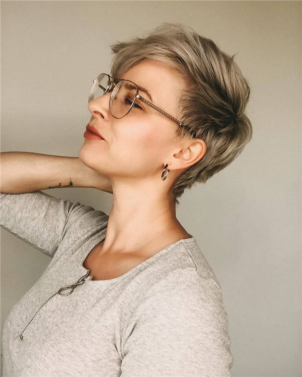 Most Eye Catching Short Pixie Haircuts to Upgrade Your Style 35