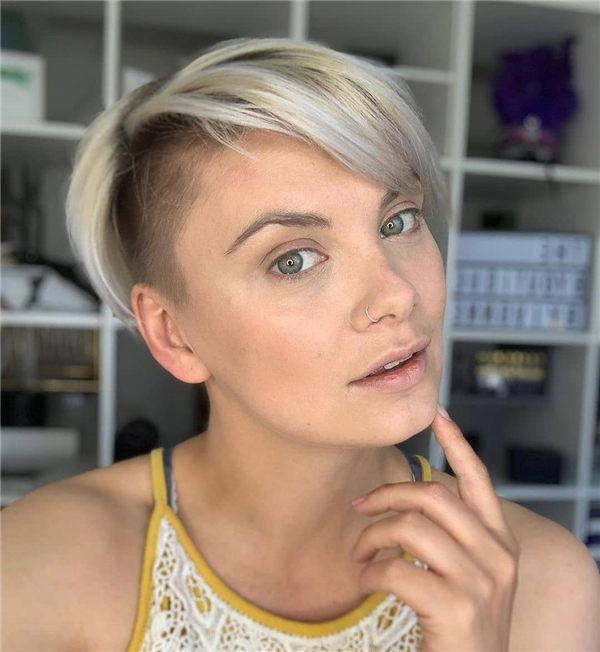 Most Eye Catching Short Pixie Haircuts to Upgrade Your Style 39