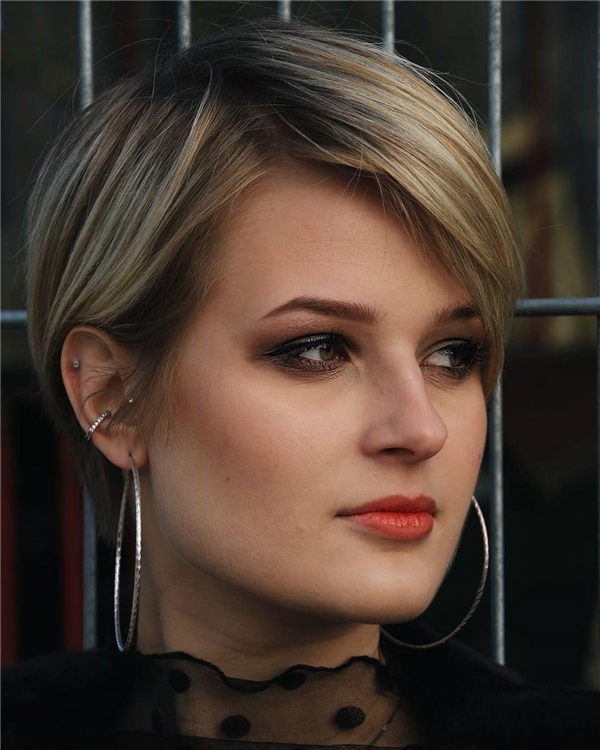 Most Eye Catching Short Pixie Haircuts to Upgrade Your Style 40