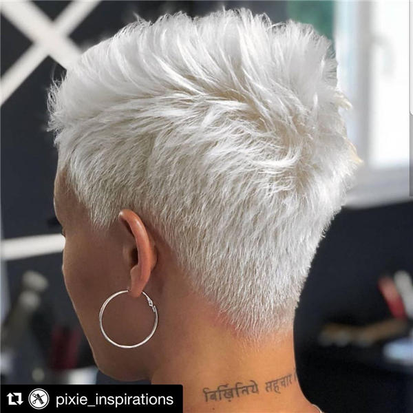Best Short Gray Hair You'll Want to See 10