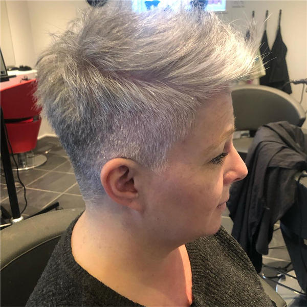 Best Short Gray Hair You'll Want to See 21