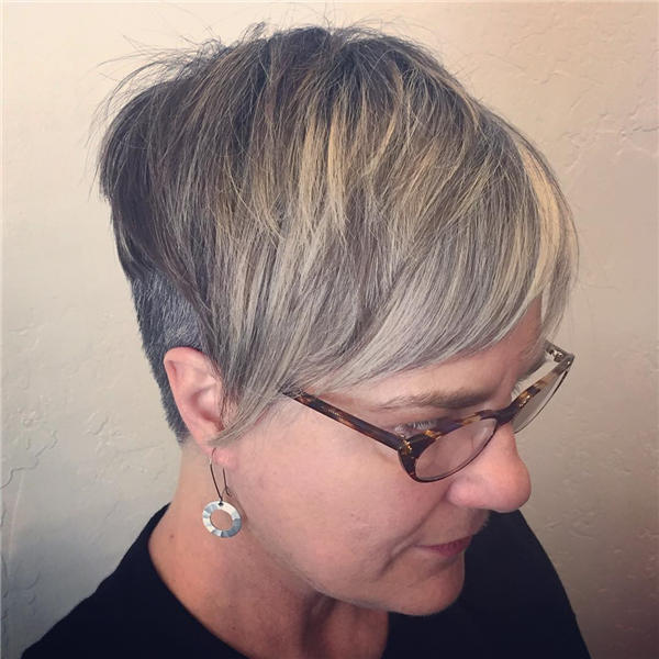 Best Short Gray Hair You'll Want to See 28