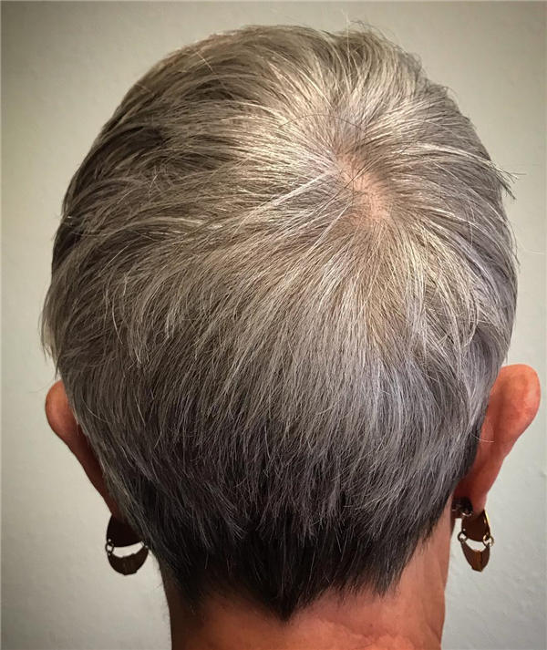 Best Short Gray Hair You'll Want to See 33
