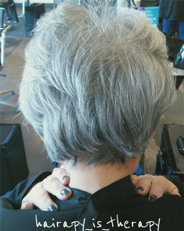 Best Short Gray Hair You'll Want to See 34