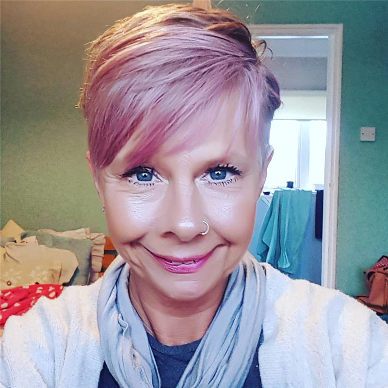 Classy and Simple Pixie Haircut for Older Ladies 04