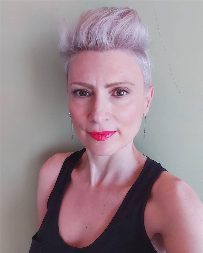 Classy and Simple Pixie Haircut for Older Ladies 10