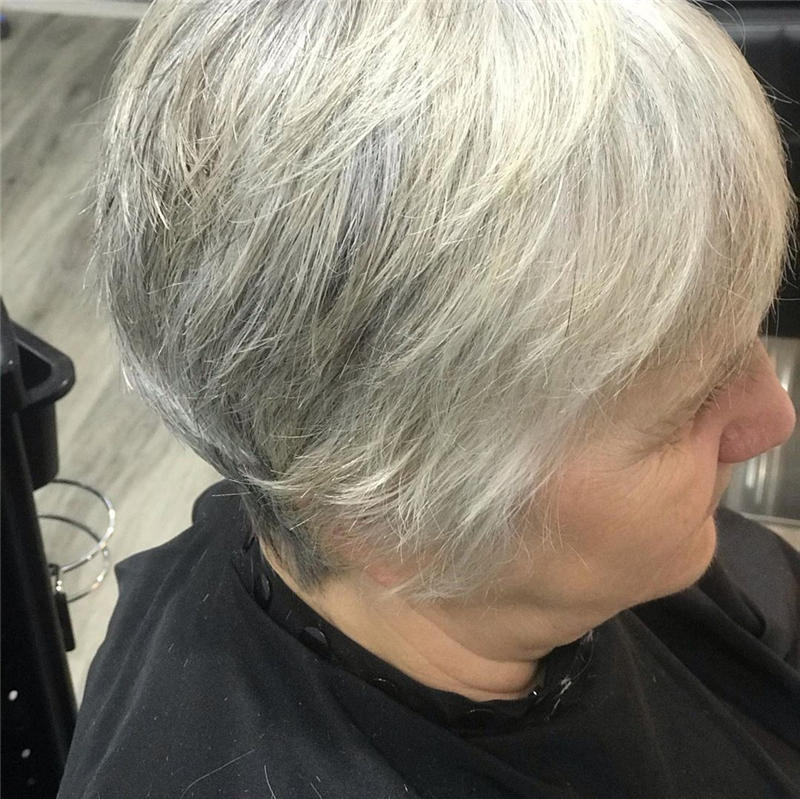 Classy and Simple Pixie Haircut for Older Ladies 17