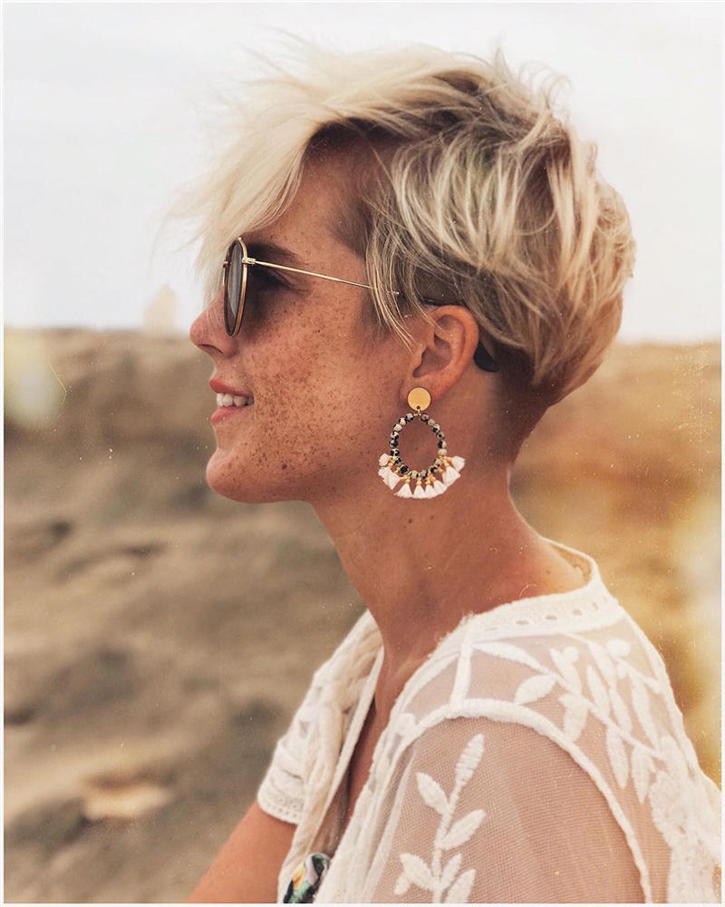 Classy and Simple Pixie Haircut for Older Ladies 24