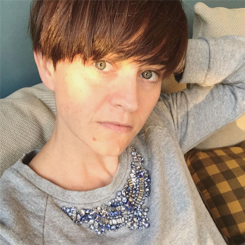 Classy and Simple Pixie Haircut for Older Ladies 38