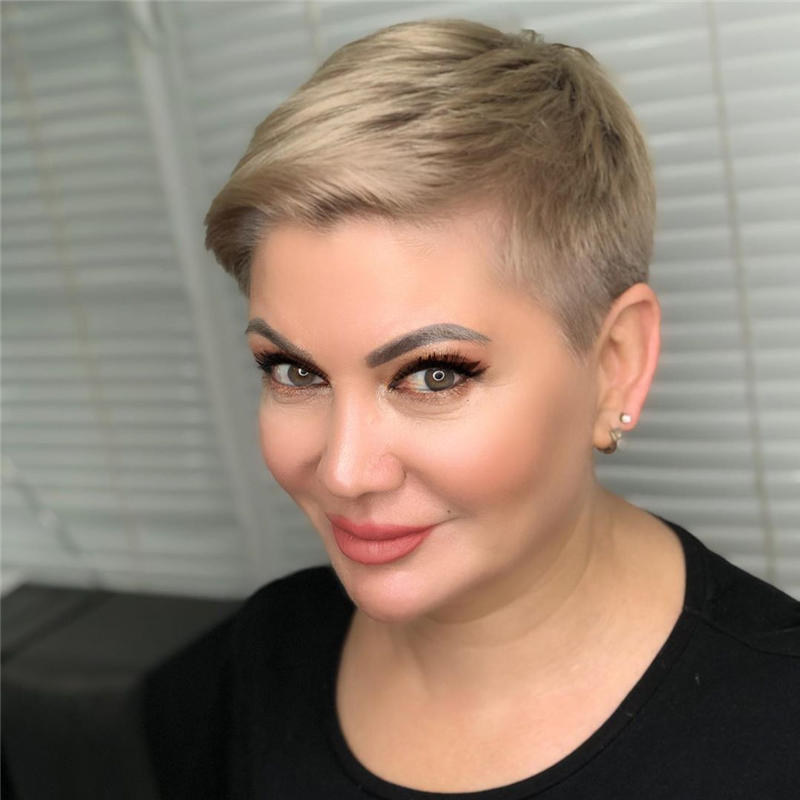 Classy and Simple Pixie Haircut for Older Ladies 46