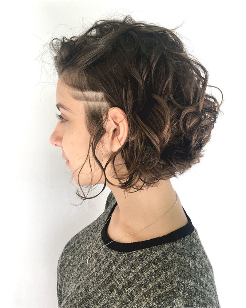Best Short Haircuts for Wavy Hair 2020 01