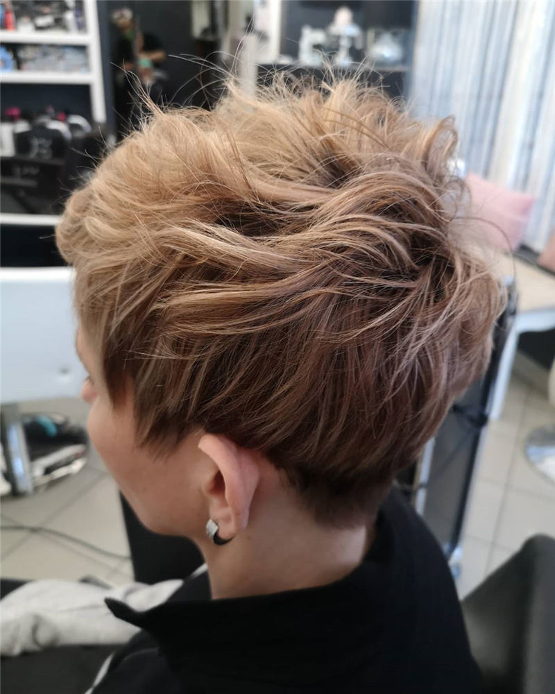 Trendy Cute Short Hairstyles for 2020 08