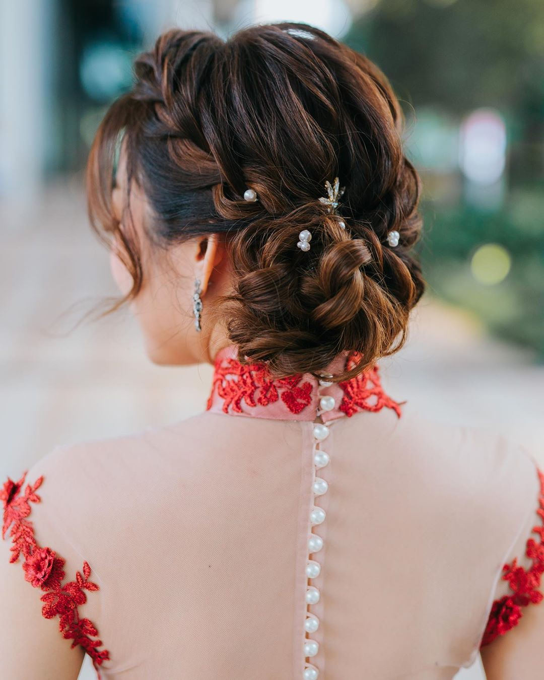 Best Side Bun Hairstyles That Makes You Pretty 20