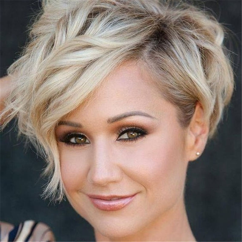 Amazing Curly Pixie Cut Ideas to Transform Your Style 21