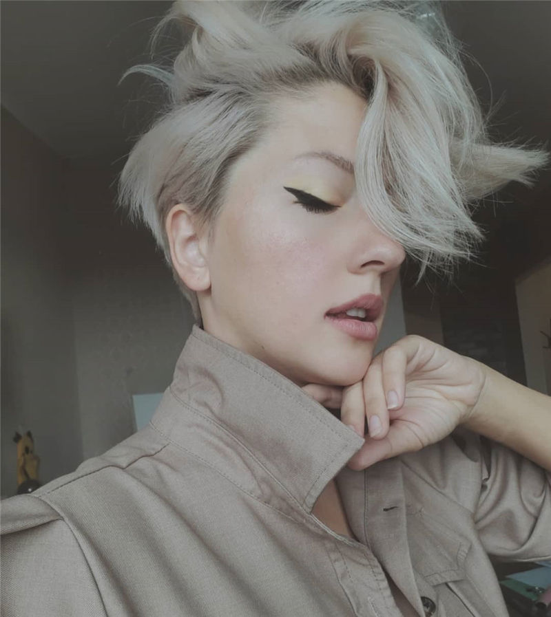 Amazing Curly Pixie Cut Ideas to Transform Your Style 29