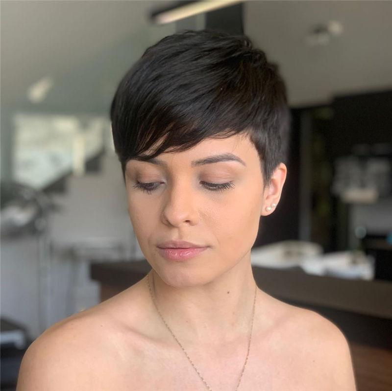 Amazing Curly Pixie Cut Ideas to Transform Your Style 33