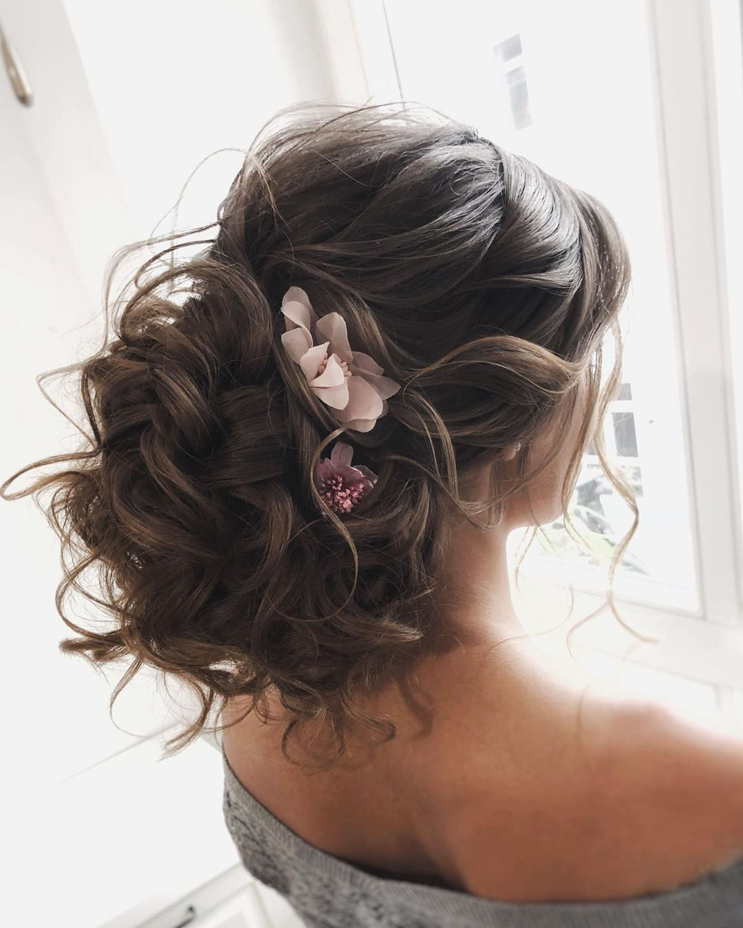 New Wedding Updo Ideas for Your Trendy Looks 11