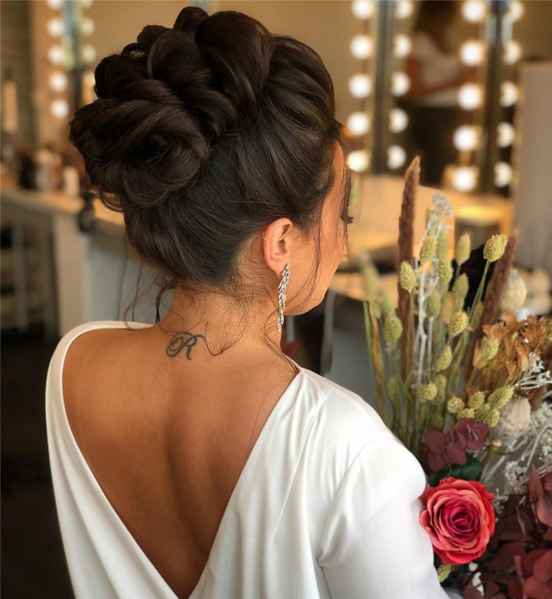 New Wedding Updo Ideas for Your Trendy Looks 17