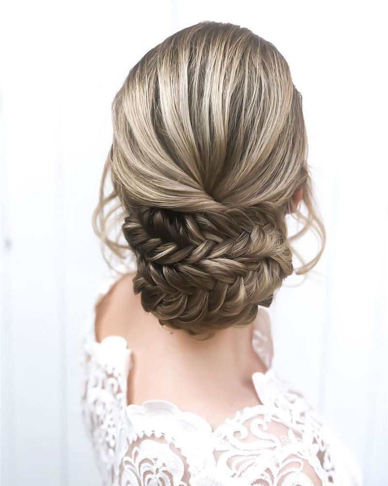 New Wedding Updo Ideas for Your Trendy Looks 21